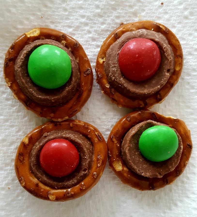 Rolo pretzels withM&M's